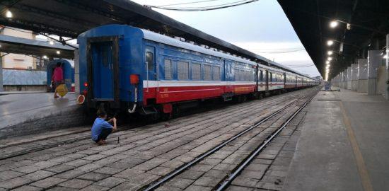 ベトナムで列車の旅!!鉄道チケットの予約方法!!