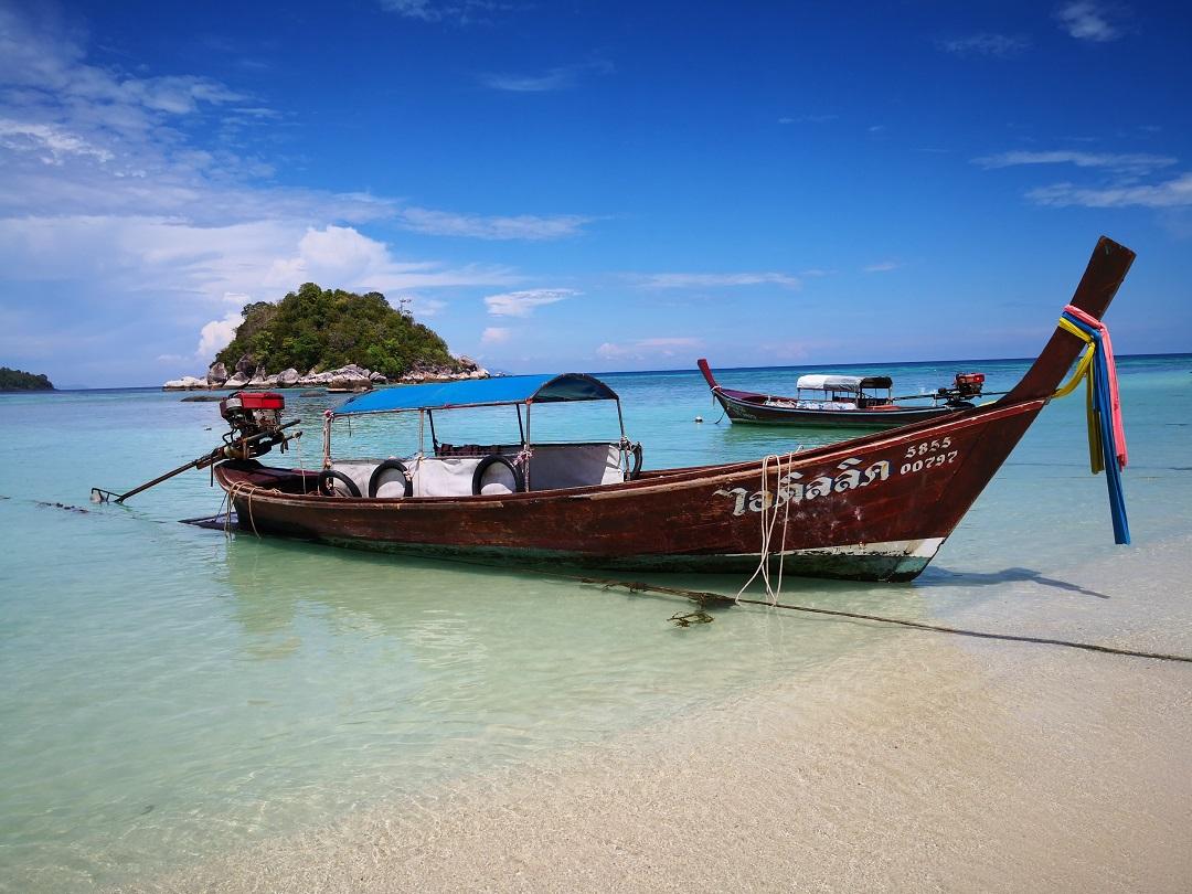 リペ島 小舟