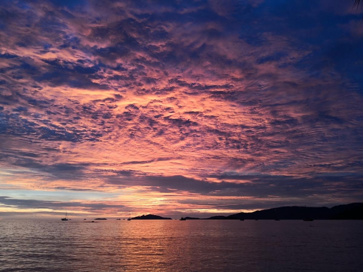 サンセットビーチからの夕日