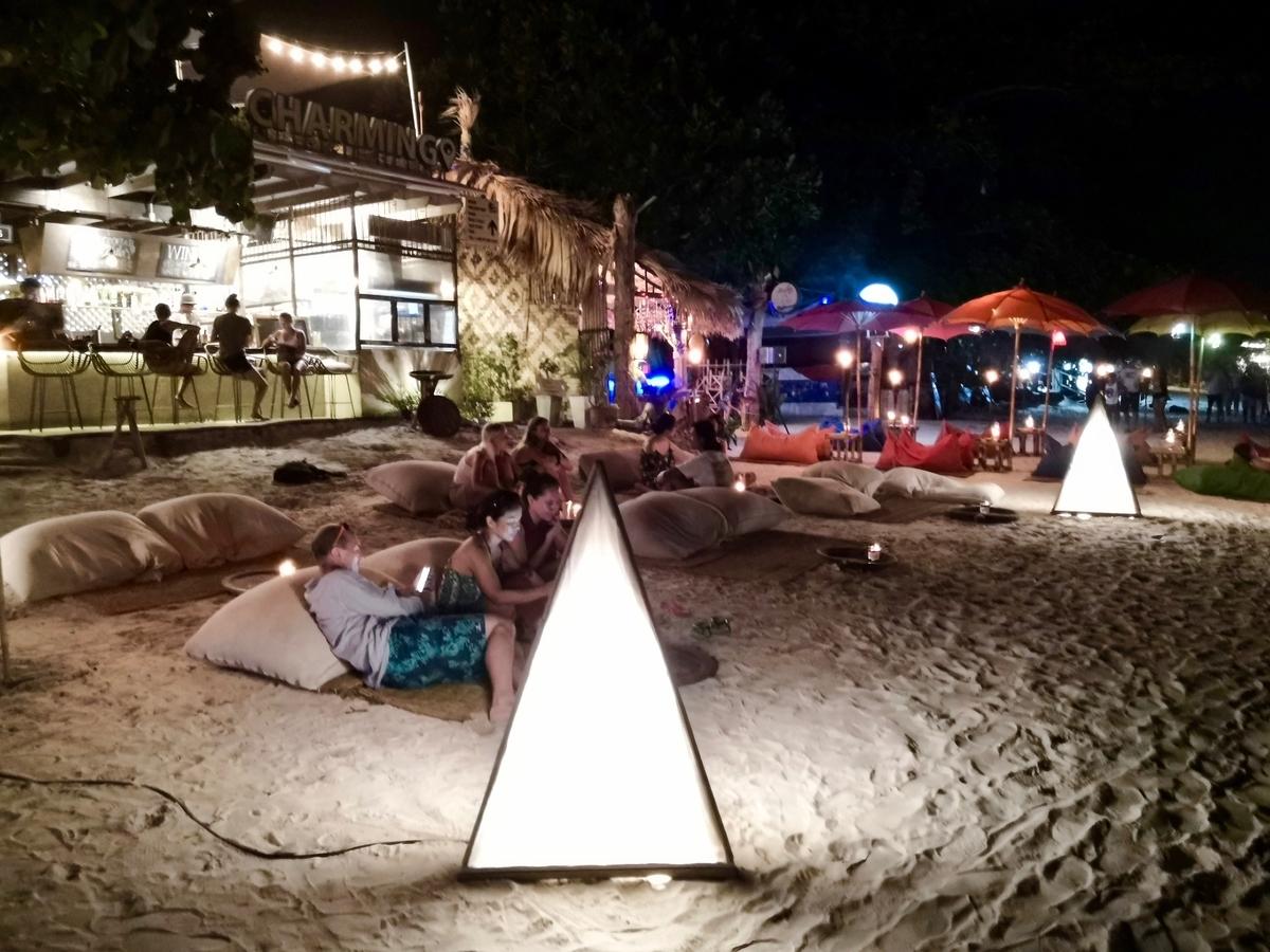 リペ島 パタヤビーチ 夜の風景