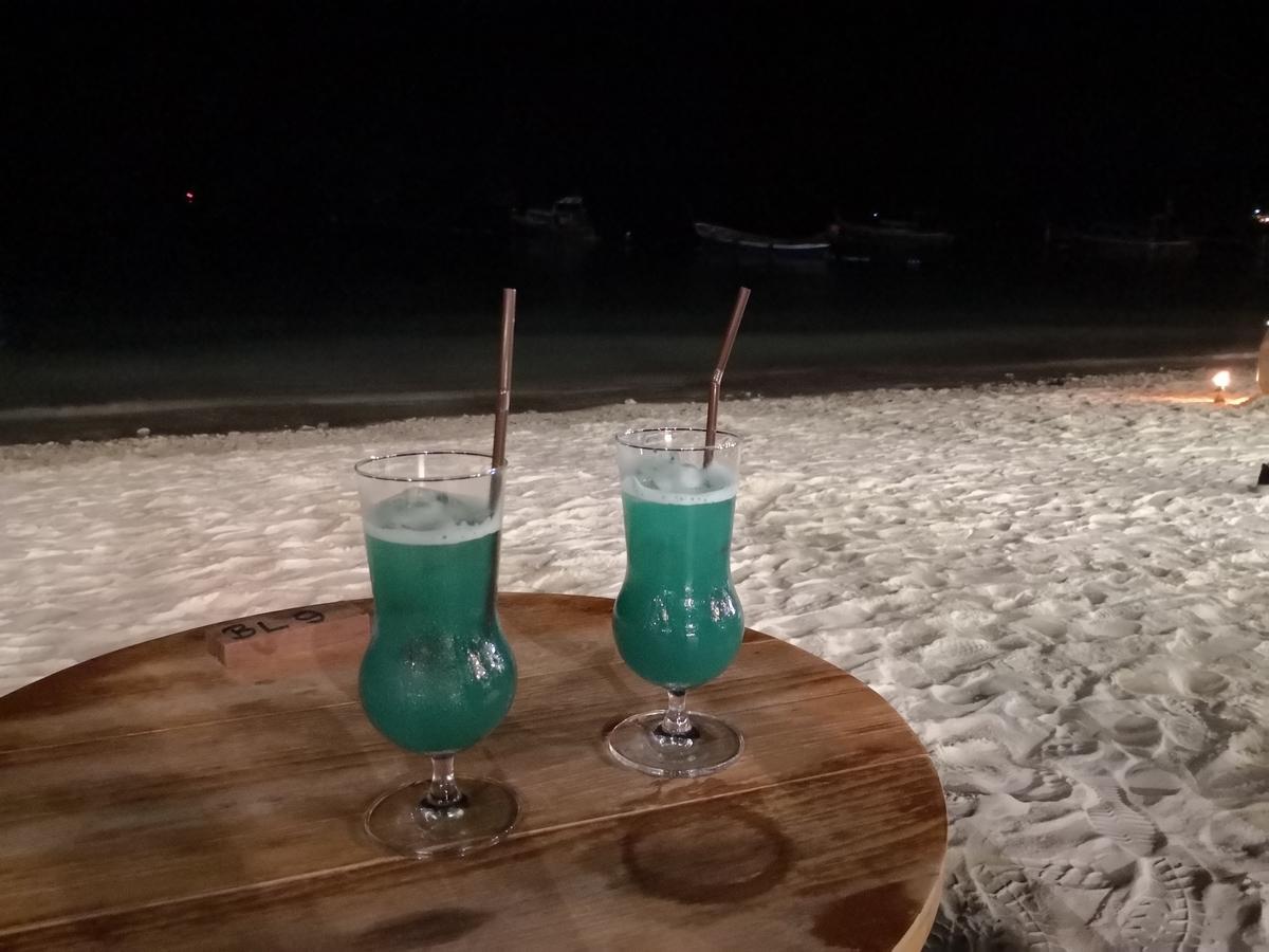 リペ島 パタヤビーチ 夜
