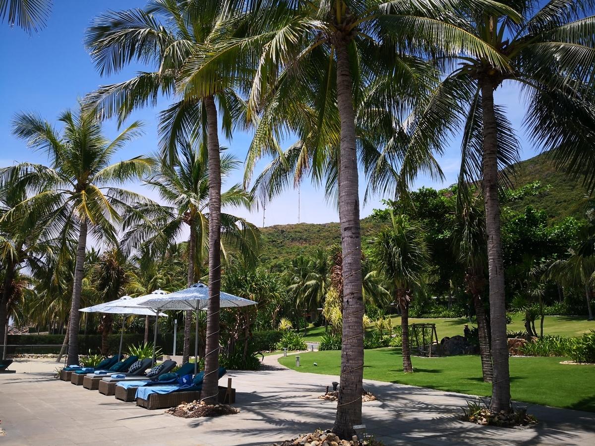Mia Resort Nha Trang プールサイド