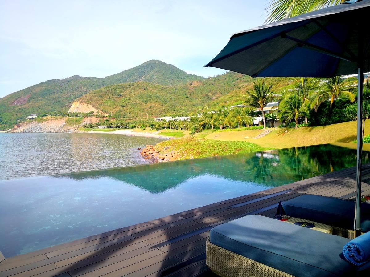 Mia Resort Nha Trang プール 小