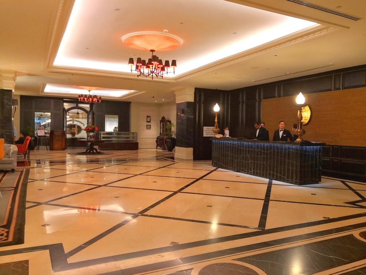 EASTERN & ORIENTAL HOTEL ロビー