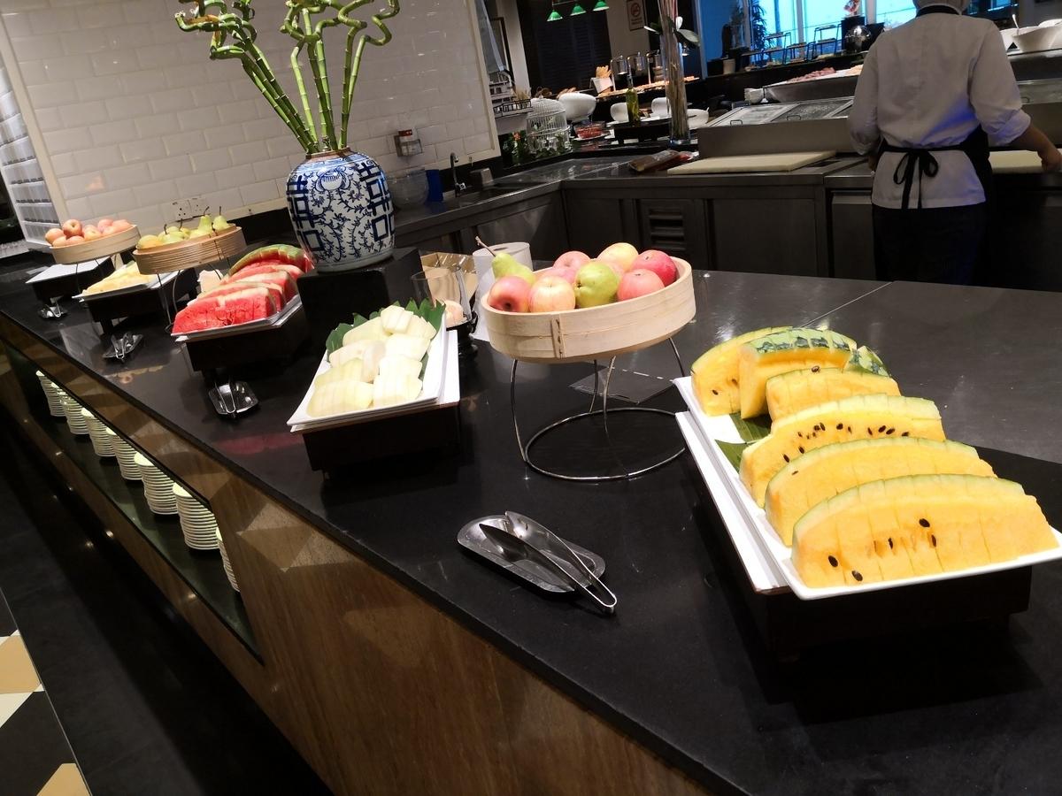 EASTERN & ORIENTAL HOTEL 朝食ビュッフェ フルーツ