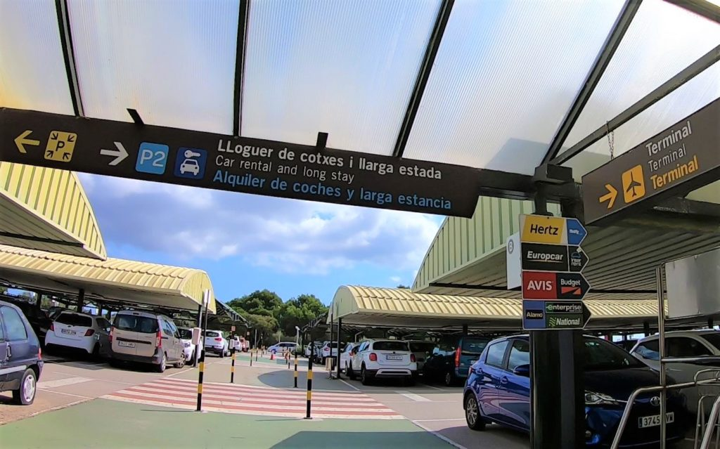 メノルカ島 空港 レンタカー 駐車場