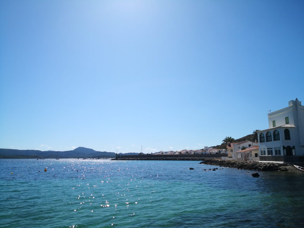 Fornells 海辺の風景