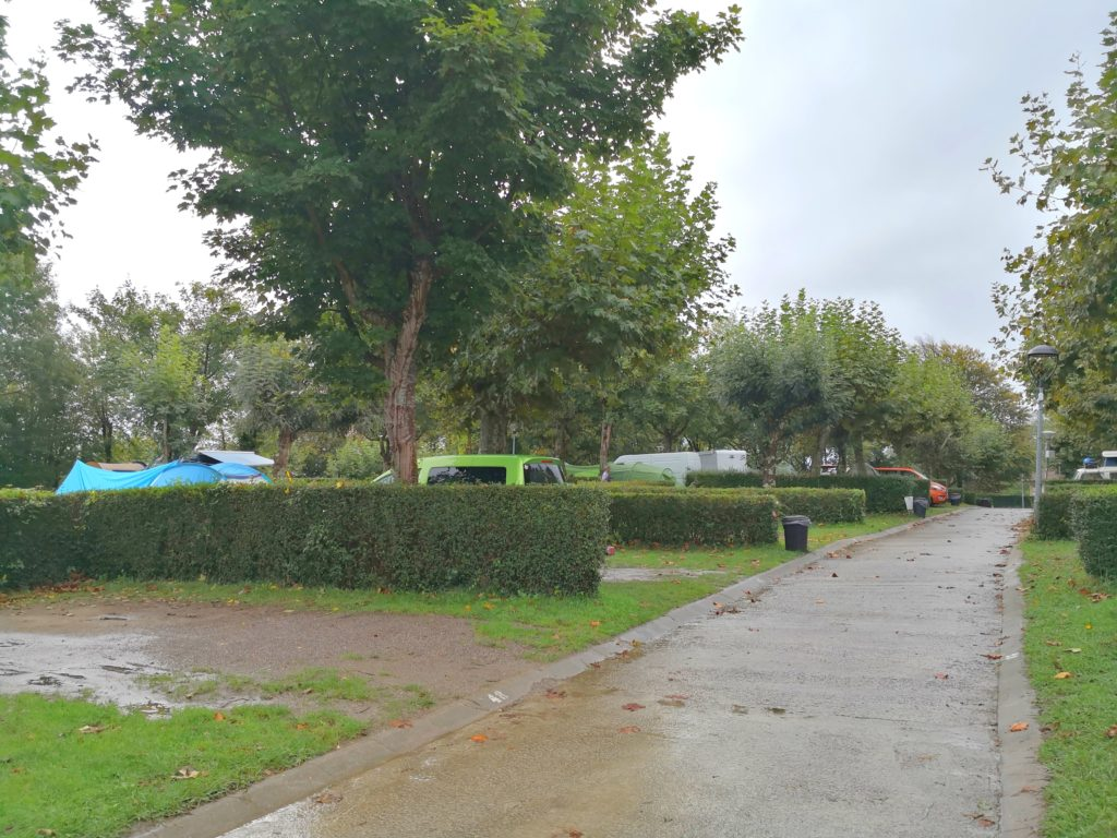 Camping Bungalows Igueldo San Sebastián キャンプサイトの様子