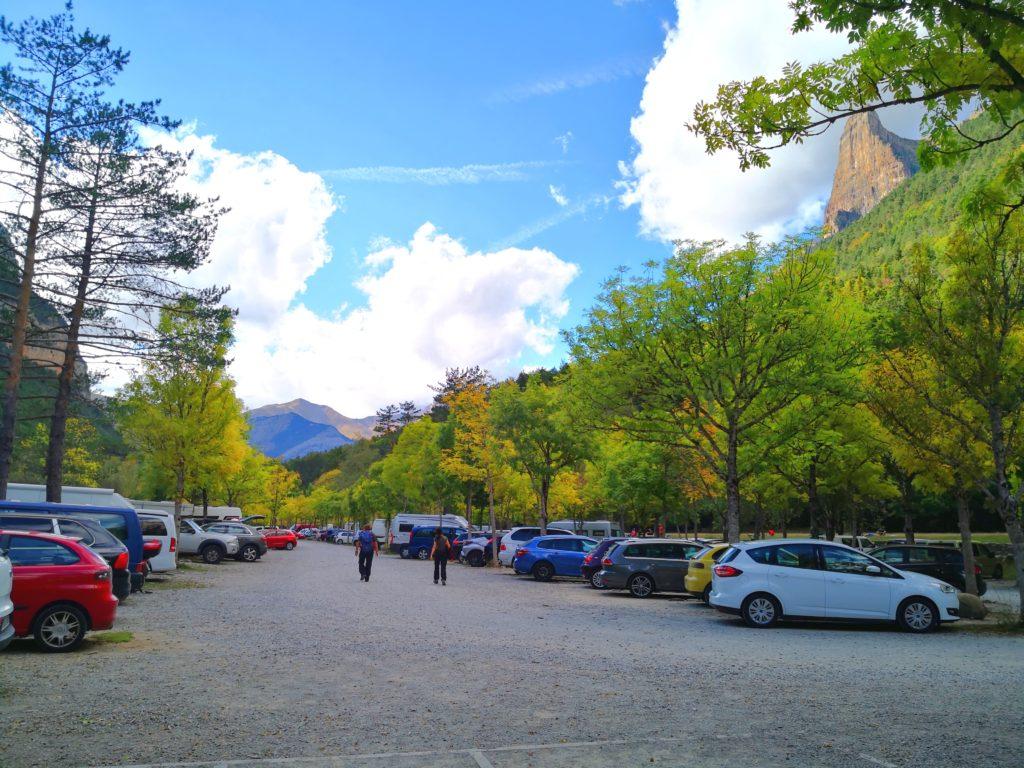 オルデサ・イ・モンテ・ペルディード国立公園 駐車場